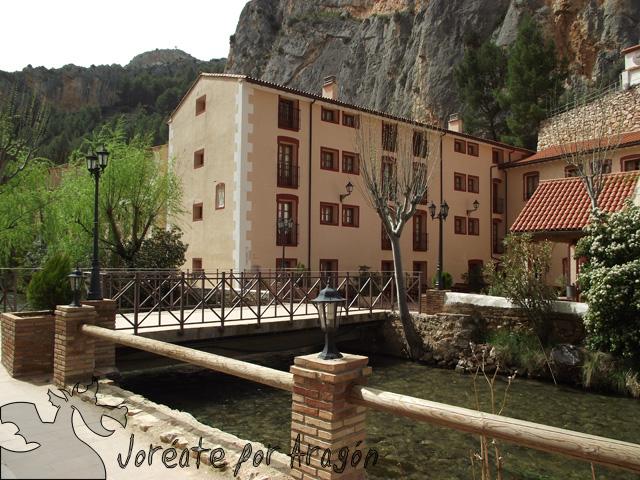 Acceso principal a los Baños de la Virgen, el primer balneario de la villa termal de Jaraba.